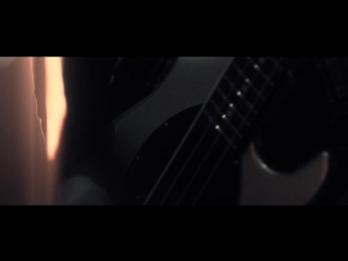 Bullet for my valentine - worthless (official music video)