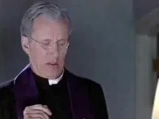 Ну нахер...Отрывок -Изгнание дьявола- из фильма -Очень страшное кино 2