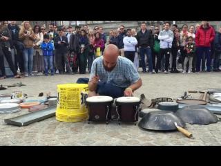 Удивительный барабанщик в Амстердаме