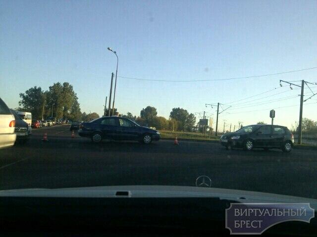 """ДТП на перекрёстке """"варшавка"""" - 28-го июля вызвало огромные пробки"""