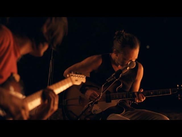 Radiohead - Present Tense: Jonny, Thom a CR78