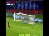 Messis beautiful free kick