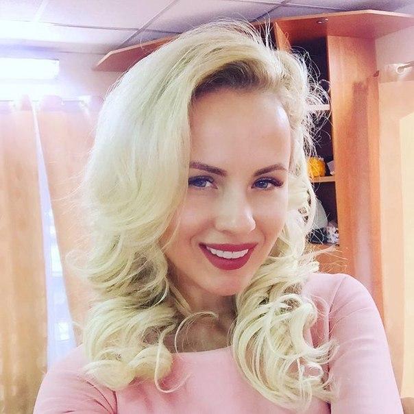 Секси Александра Харитонова Танцует Стриптиз