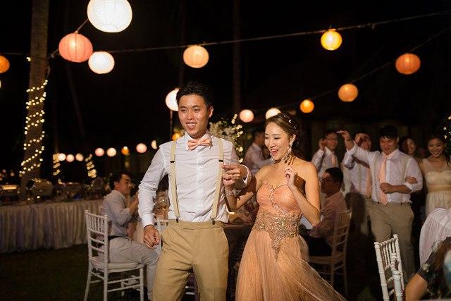 J2qVSUfLtrM - Свадьба Клемента и Клаудии (30 фото)