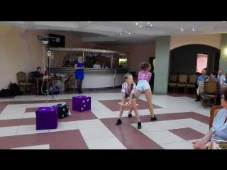Танец Леры и Ангелины)))