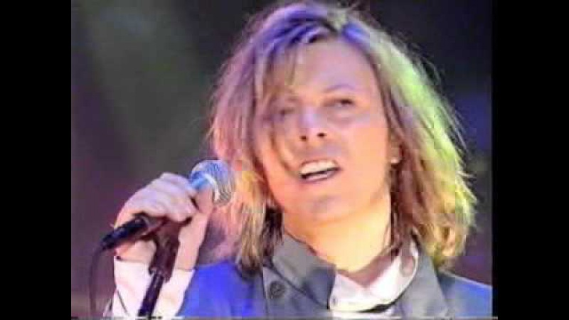 David Bowie - Wild Is The Wind (TF1 Friday 1999)