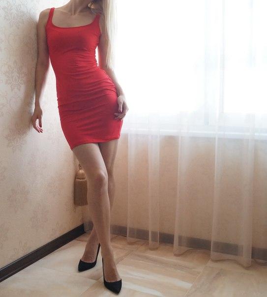 http://ru.aliexpress.com/item/gagaopt-2016-Summer-Dress-Sexy-Women-Maxi-Dress-Solid-Sleeveless-Casual-Dress-Elegant-Evening-Party-Long/32638550608.html Красное платье простого покроя всего за 600 руб! Простое,
