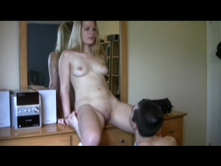Порно рассматривает пизду фото