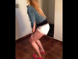 Naaymacedo Dançando Funk - Sexy Girl Dancing Shaking Her Booty