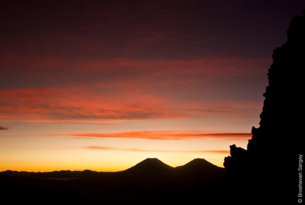 Вид на вулканы Боливии на закате