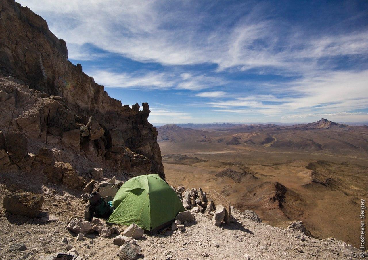 Штурмовой лагерь 5700 м на вулкане Сахама