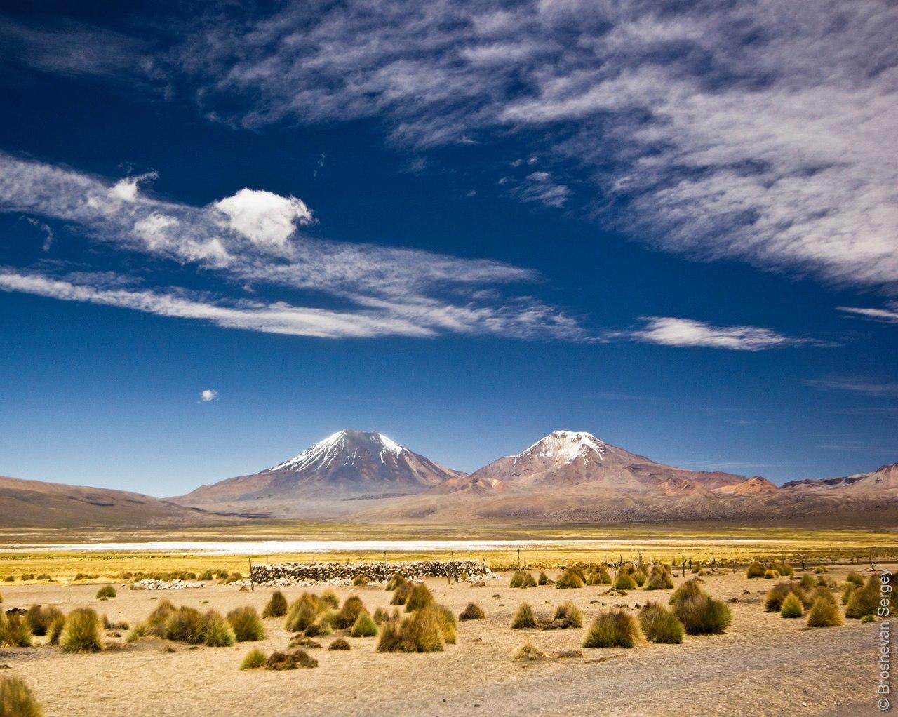 Вулканы Паринакота и Померапе в Боливии