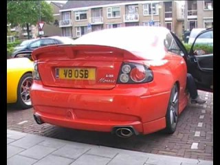 Vauxhall Monaro VXR engine start up - revving - accelerating! Very powerfull sound!