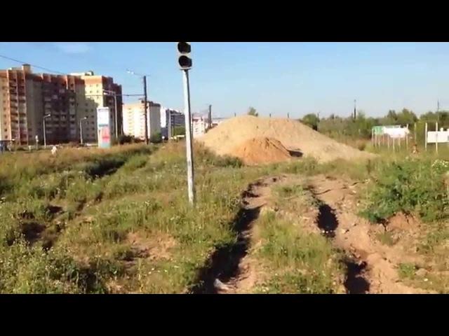 Новая достопримечательность Ярославля — светофор посреди пустыря