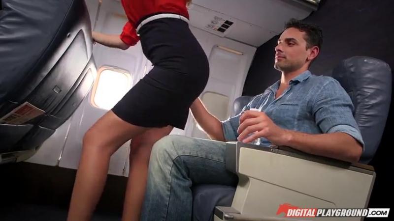 Порно со стюардессой минет
