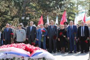 В день 30-й годовщины аварии на Чернобыльской АЭС в Симферополе открыли закладной камень новой Аллеи Памяти у набережной Салгира (ФОТО)