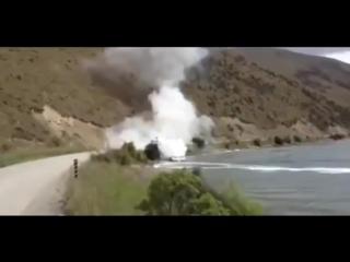 Потушил пожар с помощью катера.Меры по тушению пожара были гораздо эффектнее самого пожара