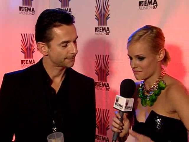 2007-11-01 - MTV EMA's 2007: 1 On 1 Interview with Dave Gahan