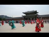 Смена караула во дворце Кенбоккун.(The changing of the guard in Gyeongbokgung Palace) 2015 октябрь