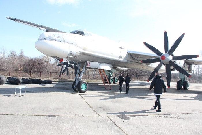 Футболисты Ворсклы посетили музей дальней авиации - изображение 1