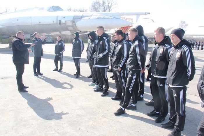 Футболисты Ворсклы посетили музей дальней авиации - изображение 3