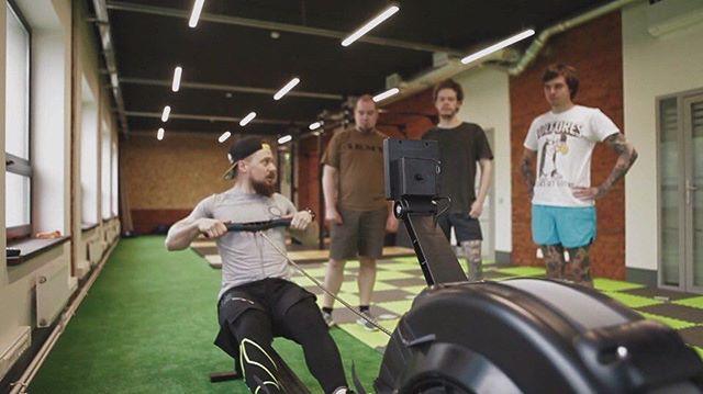 """Анастасия Домбровская: Друзья!  Я немного расширяю своё поле деятельности и по субботам буду работать со спортсменами из Rope and Tire!  Уверена, что у многих на слуху такое направление, как """"кроссфит"""". Так вот, Rope and Tire - это зал кроссфита! А ещё скажу, что у тренеров Влада и Светы - очень грамотный подход к инструктажу и программам тренировок.  Так вот, мы решили сотрудничать, потому, что убиться на кроссфите можно легко и быстро, а восстанавливаться нужно долго и своевременно. Я бы сказала - необходимо. В первую очередь: для уменьшения травматизма суставов и связок, для восстановления мышц после серьёзных нагрузок и для улучшения показателей.  Ещё раз: По субботам с 12:00 я буду работать по спортивному массажу в зале Rope and Tire!! По всем вопросам относительно массажа или тренировок пишите/ звоните мне:+79251995444.  Rope and Tire - это первый полноформатный зал функционального многоборья в городе Люберцы!  Адрес, г.Люберцы, ул Огуречная, 3 https://vk.com/ropeandtire  #massage #crossfit #win #спортивныймассаж #растяжка #пир #массаж #восстановление #травмы#реабилитация"""