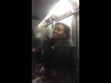 Парень выплеснул зло в черном вагоне