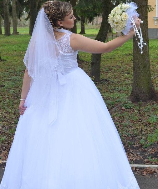 Продам весільну білосніжну сукню у