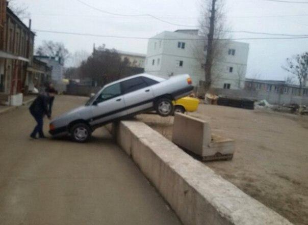 Чудеса парковки продемонстрировали харьковчане (ФОТО, ВИДЕО)