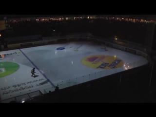 Крутые спецэффекты во время перерыва хоккейного матча