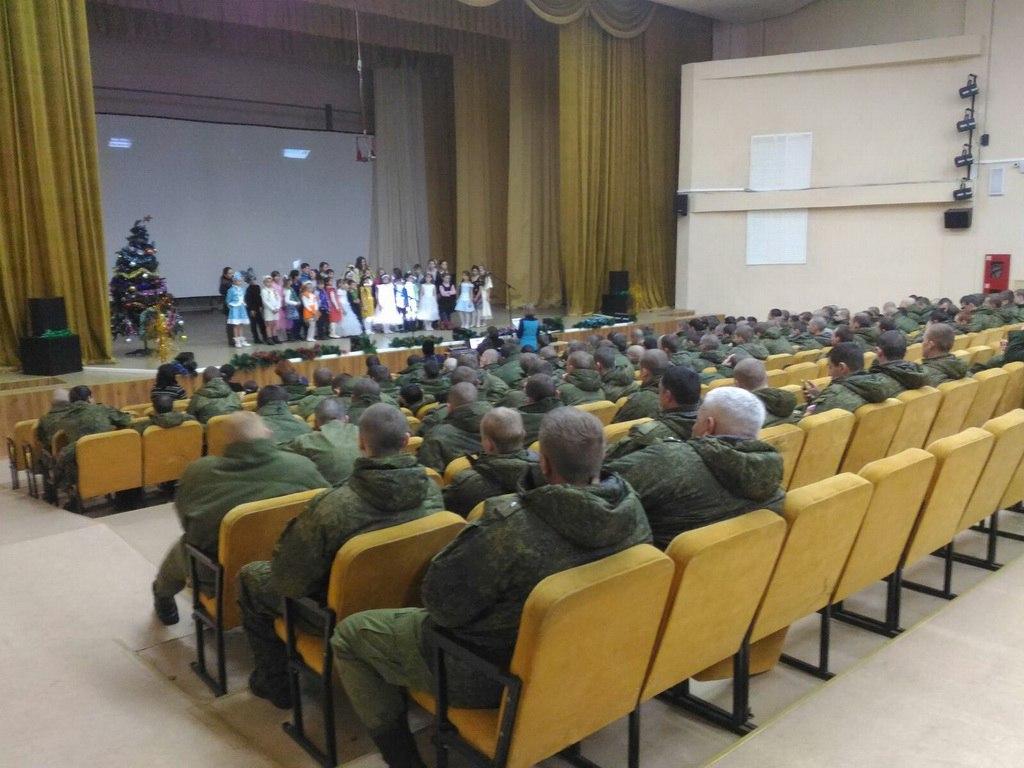 Дети из станицы Исправная посетили 34-ю отдельную мотострелковую бригаду