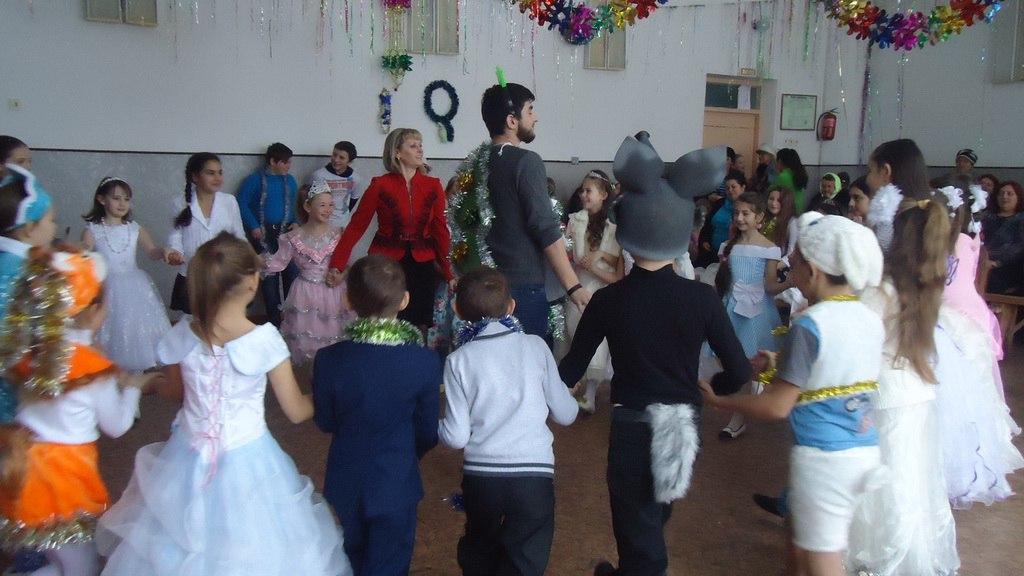 Для детей из многодетных и малообеспеченных семей станицы Исправная провели концерт