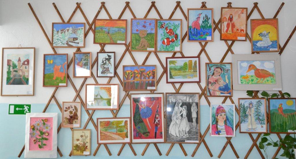 В станице Сторожевая состоялась конкурс-выставка художественных отделений ДШИ «Детство цвета апельсин»