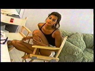 Yasmeen Ghauri 1994