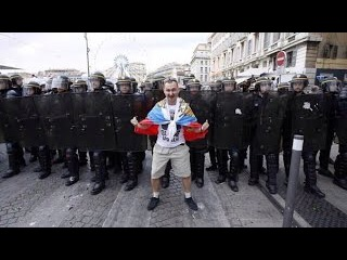 200 RUSSIAN FANS VS 2000 BRITISH EURO 2016 l Русские против англичан в Марселе l by KosMos FIFA
