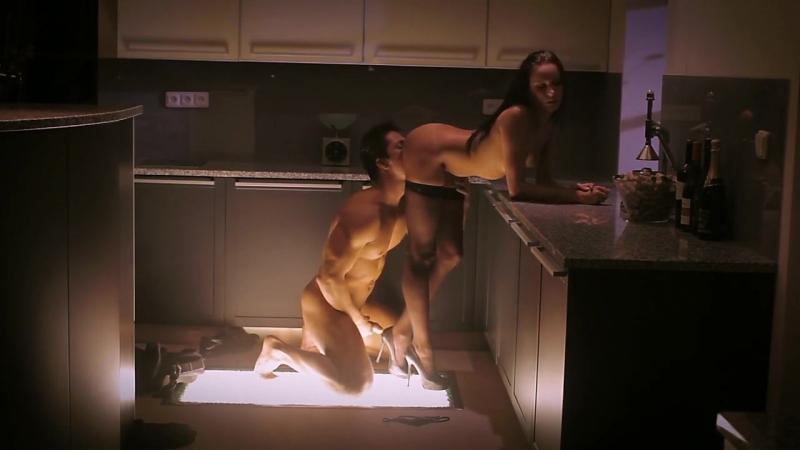 этого, женщины ролики из фильмов за столом порно день выходят