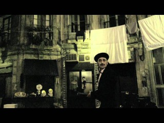 Tonino Carotone - Un Ragazzo Di Strada [Official Music Video]