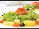 Крем-суп из шпината с морепродуктами и салат с теплым картофелем и соленой семгой