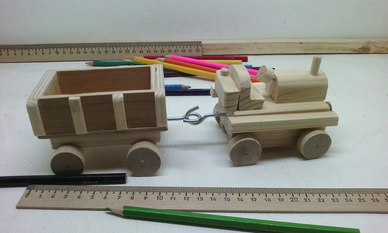 трактор с прицепом, деревянная игрушка трактор, недорогой трактор из дерева, деревянный эко-сувенир, сувенир, эко-игрушка сувенир, игрушка трактор с прицепом, ручная работа, эксклюзив, деревянное изделие, недорогой подарок. забавный подарок, натуральное дерево, интересный подарок