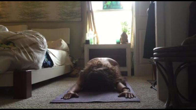 Девушка с большой грудью занимается зарядкой голая перед камерой  » онлайн видео ролик на XXL Порно онлайн