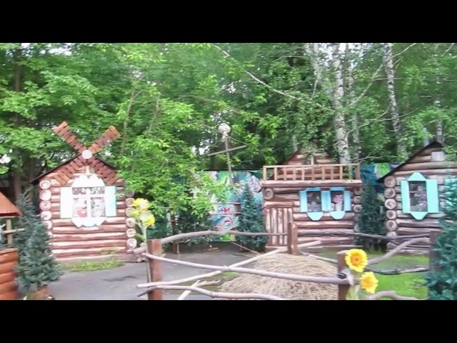 Едем на машинке в городке сказок We are going on a small car in the town of fairy tales