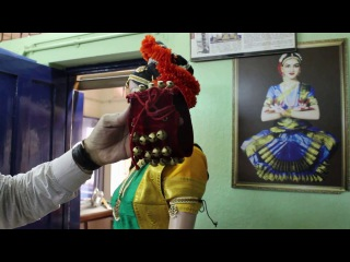 How to Tie Ghungroo for Bharatanatyam / Kuchipudi
