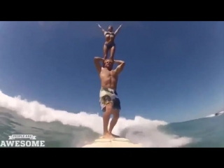 Совместили серфинг и акробатику