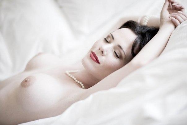 Pare naked musikvideo jennifer love hewitt