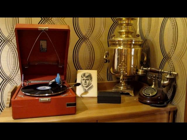 Клавдия Шульженко - Синий платочек (песни военных лет)