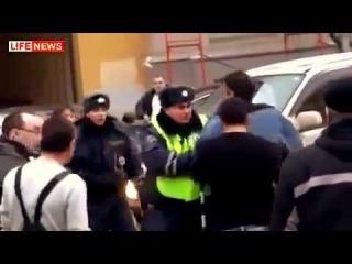 Махач с ДПС драка с сотрудниками дпс гаи гибдд беспредел полиции ментов жесть видео с гаишником