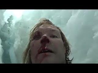 Альпинист упал в трещину ледника