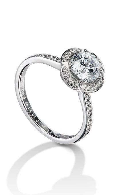 GYK0bHZO jo - Обручальные кольца с бриллиантами круглой огранки (60 фото)