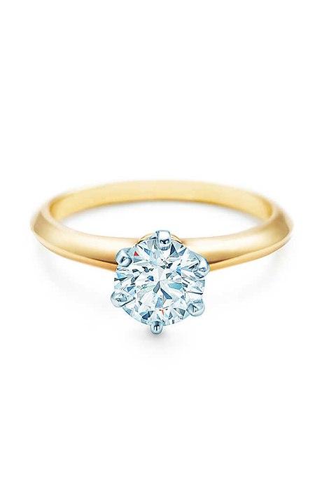 B45LbEYdFvY - Обручальные кольца с бриллиантами круглой огранки (60 фото)