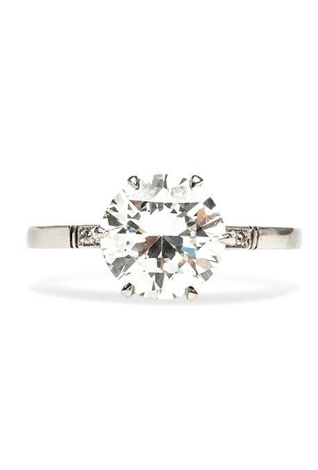 0Su EpjZ4R4 - Обручальные кольца с бриллиантами круглой огранки (60 фото)